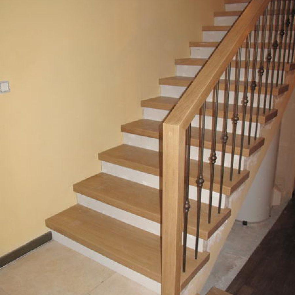 habillage escalier beton en bois decoration d interieur. Black Bedroom Furniture Sets. Home Design Ideas