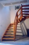 09-16 Escalier courbe, limon galbé, poteau noyau débillardé.